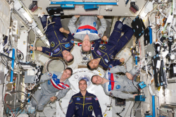 مشکلات فضانوردان در فضا و اقدامات علمی که برای رفع مشکلات - word
